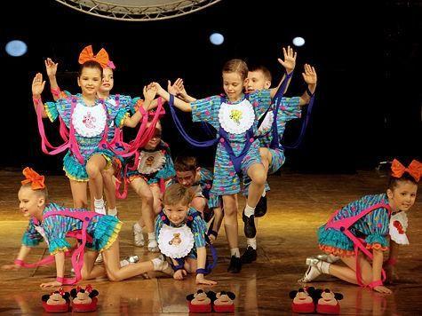 Детские танцевальные костюмы ансамбль в хакасии студия степ