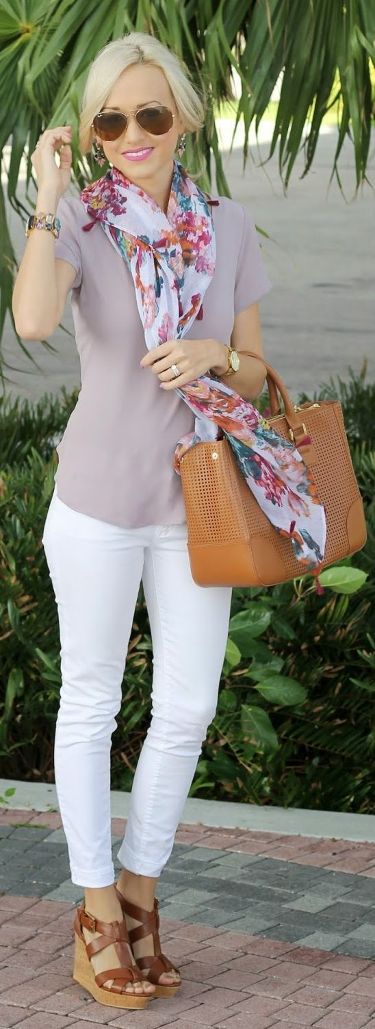 Cute way to style white jeans for Summer