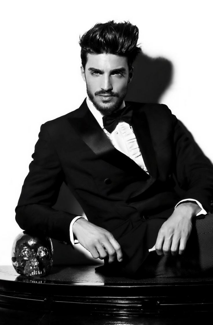 Mariano Di Vaio - Great tux, notice the pants. Awesome.