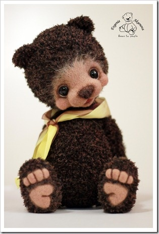 teddy bear ~Evgenia Aksenova ~ these little ones are crocheted.. I just don't know how they do it~