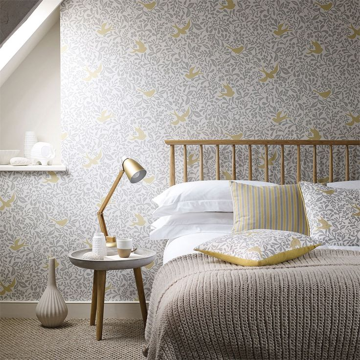 Sanderson - Traditional to contemporary, high quality designer fabrics and wallpapers | Products | British/UK Fabric and Wallpapers | Larksong (DPAV214764) | Papavera Wallpapers