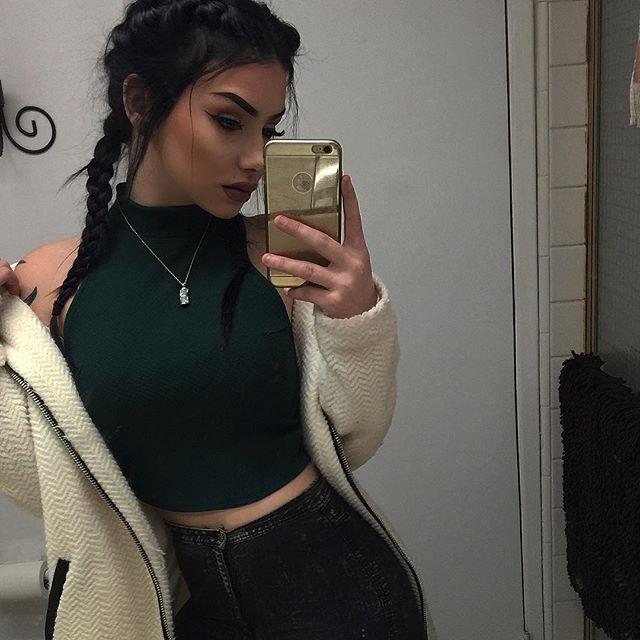 Pinterest    qveendaiisy    Mirror SelfiesGirls. The 25  best Mirror selfies ideas on Pinterest   Instagram baddie