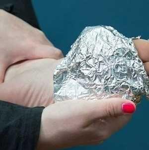 Csavard a lábad alumínium fóliába, döbbenetes lesz a hatás