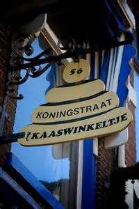 Uithangborden in Haarlem, Nederland Kaaswinkeltje, Koningsstraat