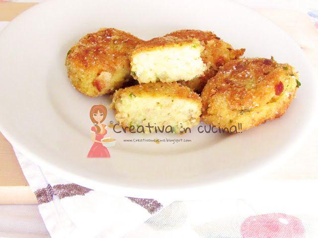 Polpette deliziose, di patate e tonno. Buonissime!! Per la ricetta>> http://creativaincucina.blogspot.it/2015/10/polpette-deliziose-di-patate-e-tonno.html Delicious meatballs, potatoes and tuna. Delicious !! For the recipe >> http://creativaincucina.blogspot.it/2015/10/polpette-deliziose-di-patate-e-tonno.html