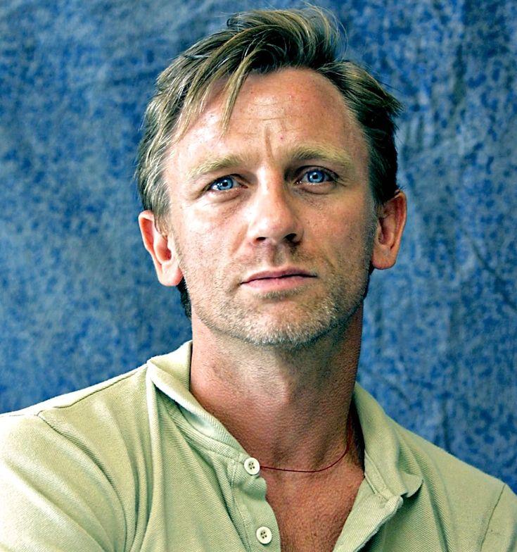 Daniel Craig (Daniel Wroughton Craig) (born in Chester (England) on March 2, 1968)