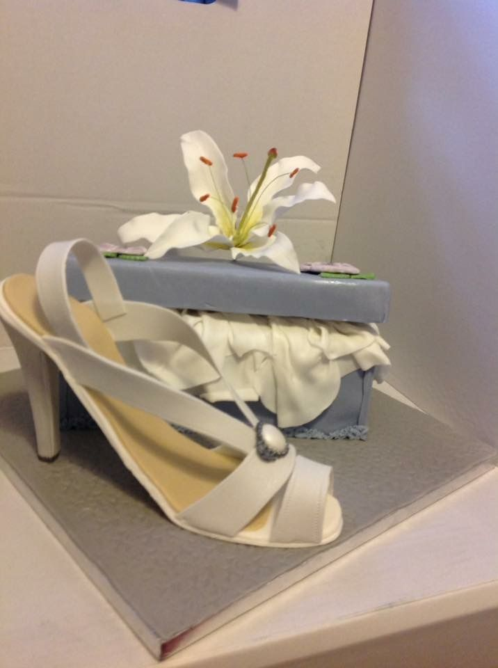 Shoe and box cake course