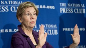 The senator, Elizabeth Warren launched a barrage of attacks on the Republican presidential front-runner on Twitter.