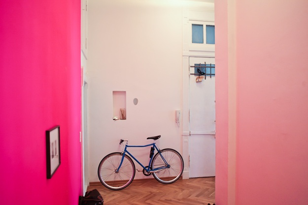peinture_mur_rose_fluo: Pink Pink Pink, Pastel, Bike, Color, Pink Rooms, Hot Pink, Pink Wall, Neon Pink, Accent Wall