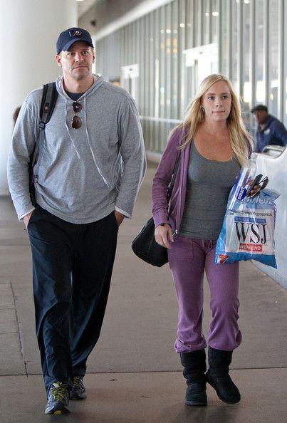David Boreanaz Photos Photos - David Boreanaz and his wife Jaime Bergman arrive…