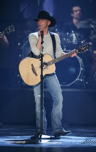 Kenny Chesney - 2008 CMT Music Awards - Show