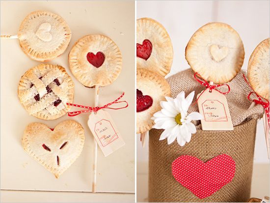 Make something unexpected this #Thanksgiving with this pie pops #diy!