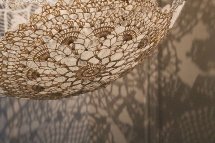 The original post for doily on balloon light globes. Doesn't sound as easy as you might think. Gorgeous though.