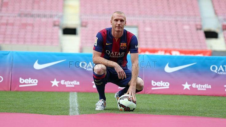 Jérémy Mathieu #JeremyMathieu #FCBenvingut #FCBarcelona #MathieuFCB #FansFCB #Football #FCB  #24