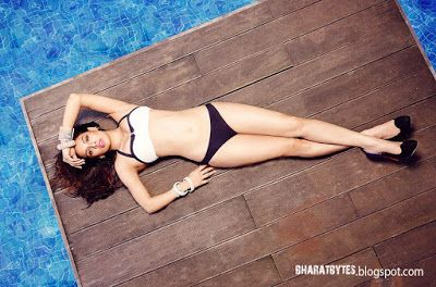 Sara loren bikini photos