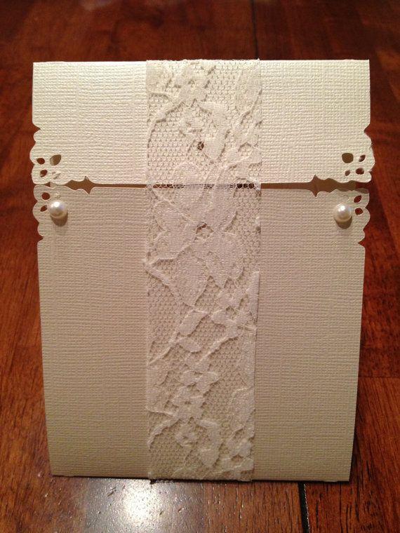 Vintage Bridal Shower Invitation por LotsofLoveCrafts en Etsy, $4.50
