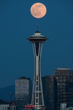 Luna şi Acul Spaţial 27 - Seattle, statul Washington, SUA