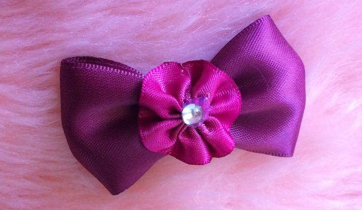 DIY: How to make a quick and simple Ribbon bow hair clip.