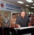 Presiden Republik Indonesia, H. Susilo Bambang Yudhoyono melakukan kunjungan kerja ke pabrik bahan bangunan PT Indocement Tunggal Prakarsa