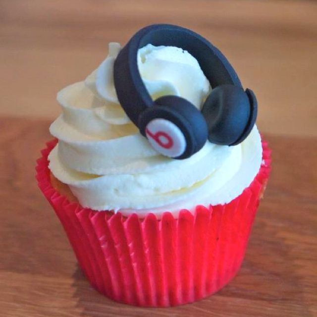 Beats By Dre Headphone Cupcakes