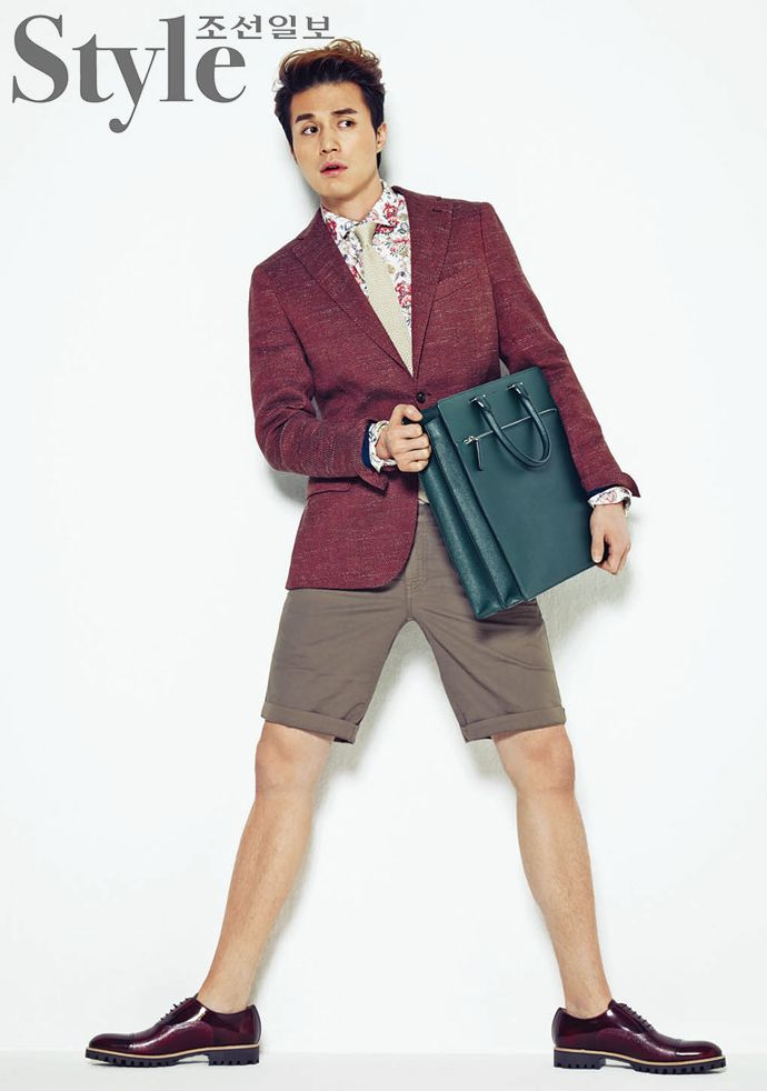 Style Chosun Feat. Lee Dong Wook Who Is Proud Of His Shapely Legs | Couch Kimchi