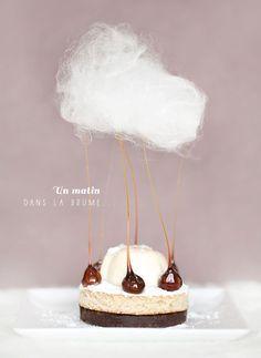 ' Un matin dans la brume ' : croustillant choco gavottes, dacquoise noisettes et sirop d'érable, panna cotta au poivre long de Java et barbe à papa