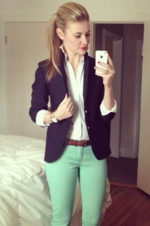 Mint skinnies + white blouse + navy blazer. Plus, I love her hair, but I feel weird when I do it...