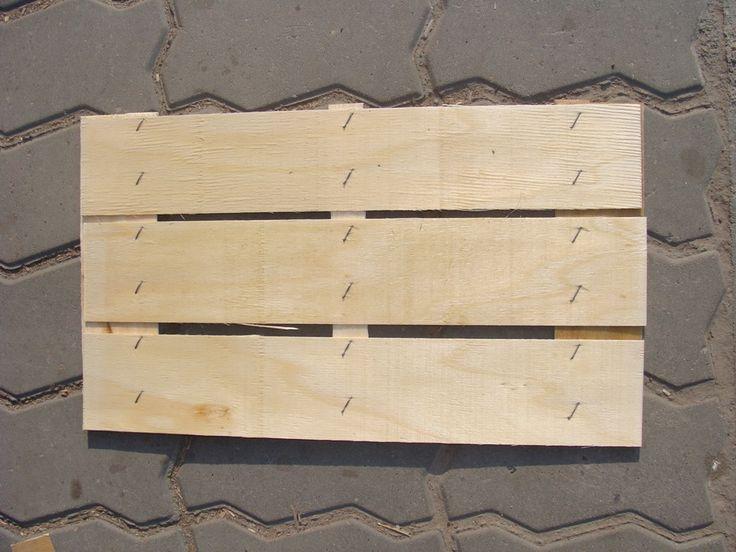 Producem si funduri pentru ladite din lemn. Contactati-ne pentru dimensiuni disponibile. http://www.laditedinlemn.ro/funduri-pentru-ladite-din-lemn/ #funduri #ladite
