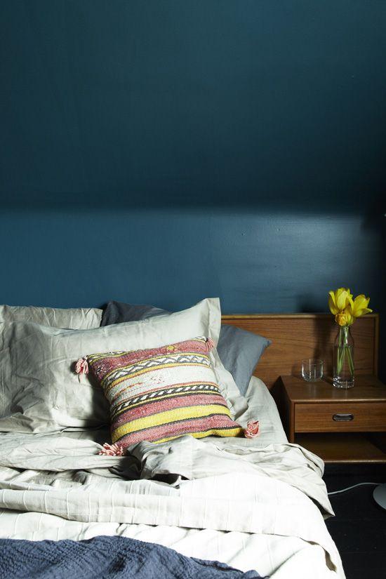 newberg green?Wall Colors, Bedrooms Colors, Blue Wall, Bedrooms Design, Bedroom Walls, Blue Bedrooms, Bedrooms Decor, Dark Wall, Bedrooms Wall