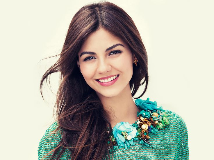 Victoria Justice (born February 19, 1993) is an American actress, singer-songwriter, and dancer. Description from fameimages.com. I searched for this on bing.com/images