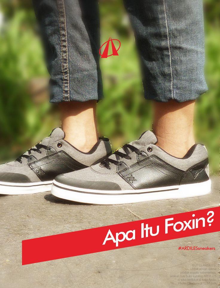Foxin adalah bagian yang menggabungkan sol dan bagian atas sepatu. Foxin biasanya diaplikasikan dengan menindih bagian samping middle sole (sol tengah) dan dibuat mengelilingi sepatu. Middle sole sendiri merupakan sol yang ada di dalam dan tidak terlihat karena tertumpuk oleh outsole (bagian terbawah sepatu) dan insole (bagian yang bersentuhan dengan kaki). Foxin dapat dibuat dengan maksimal lima warna dan desain horizontal (strip ke samping).