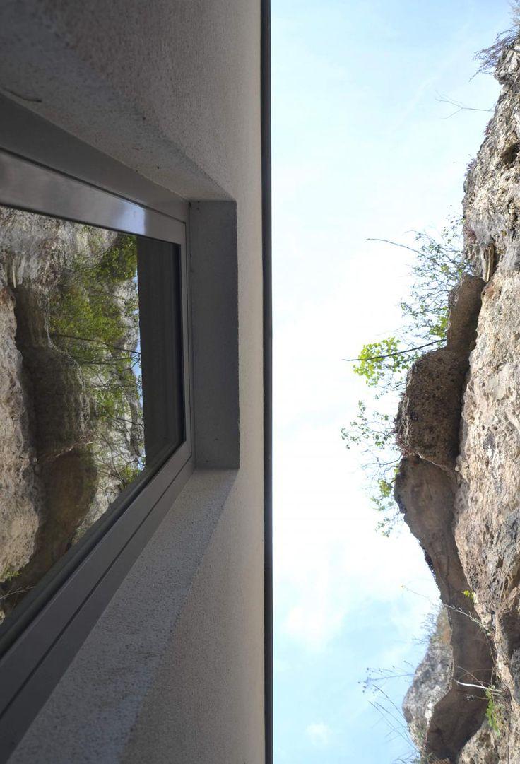 Rodinný dom na úpätí skaly, Maďarsko | Archinfo.sk