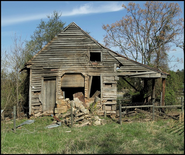 Abandoned Farm House In Rural Georgia. Photo Credit By