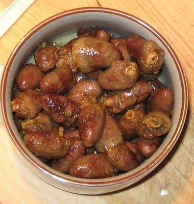 lick-a-plate: Chicken Hearts - pictures may be disturbing to some viewers, but OH SO tasty!