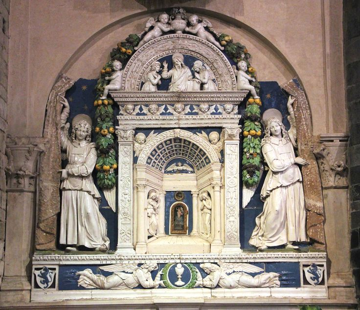 Алтарь св.Тайн (Джованни Роббиа). Флоренция, церковь св.Апостолов на площади Ада (Santi Apostoli in piazza Limbo).