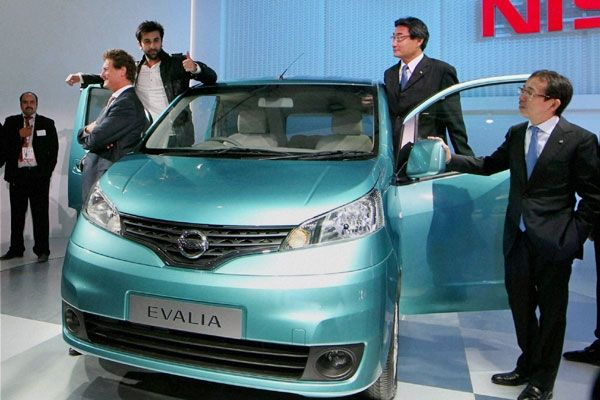 Nissan Announced Special Offer Price for Evalia Rs 7.99 Lakh