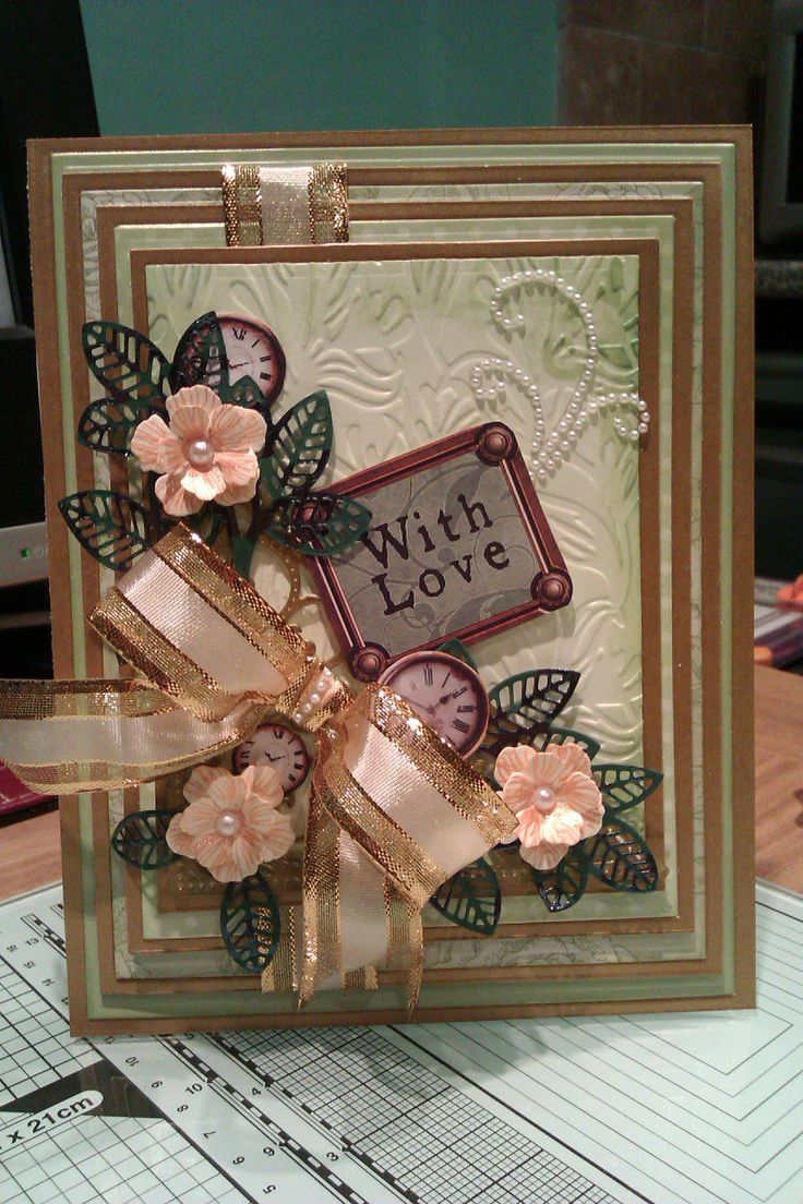 Love the new leaf die by Sue Wilson. The flowers I made with the heartfelt creations vintage floret die.