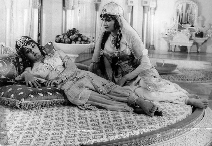 Hema and Parveen in Razia Sultan