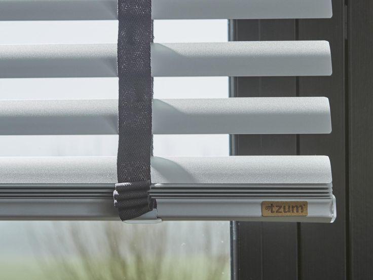 byTzum. Original curtains for an easy lifestyle. Nu ook aluminium jaloezieen!
