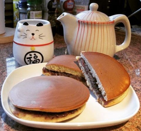 #tbt to my first attempt to make #dorayaki 7 years ago! Thanks to #cookingwithdog for all the awesome videos  . . . . #homemade #sweets #japanesesweets #japan #foodporn #手作り #どら焼き #お茶 #おやつタイム #お菓子 #糖分 #グルメ #クッキング