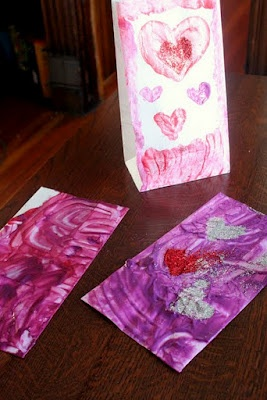 Decorate bags with Edible Yogurt Finger Paint --- then go on a hunt for LOVE!     How do you teach your child about love?Toddlers Activities, Fingers Painting, Edible Yogurt, Activities For Kids, Edible Painting, Yogurt Painting, Activities Ideas, Valentine'S Activities, Valentine'S 8217 Activities