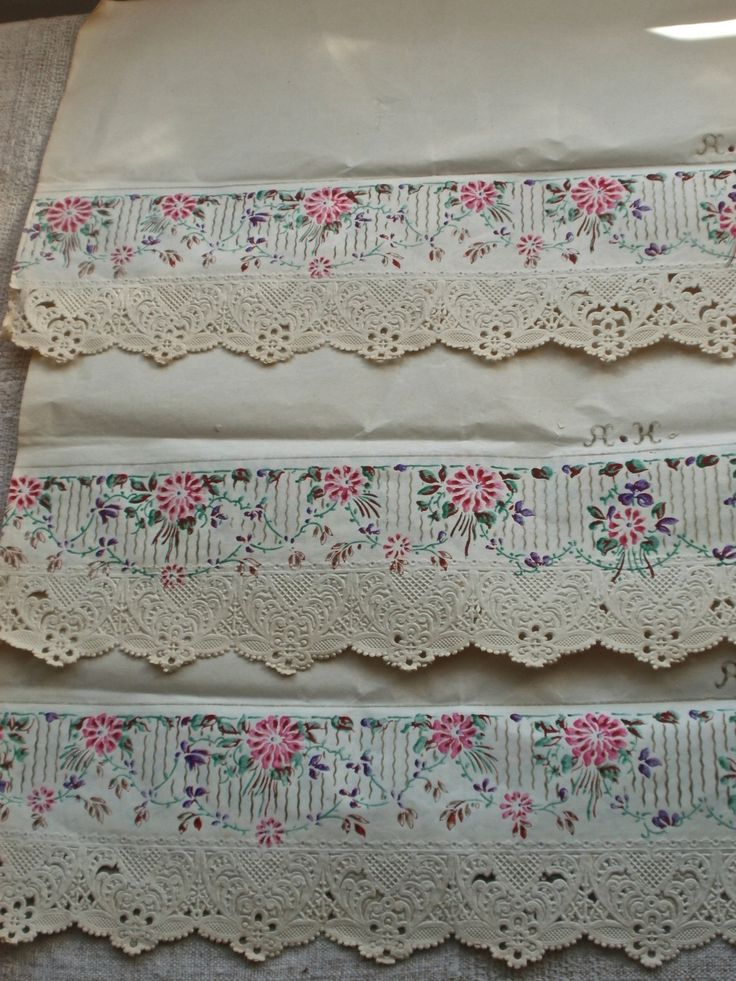 2pc Antique Shelf Lining Paper French Home Decor Cottage