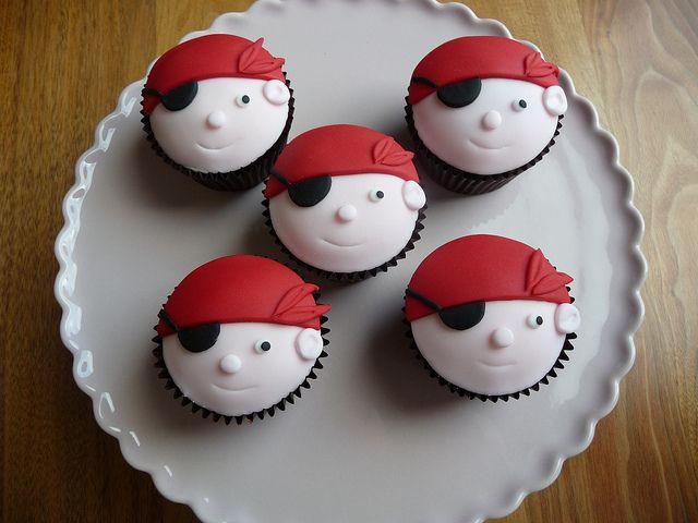 Pirate Cupcakes | Flickr: Intercambio de fotos