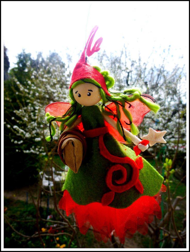 Sur commande: Fée/Elfe : rouge/verte avec tourmaline noire dans le sac/ personnalisable : Accessoires de maison par fee-bidouille