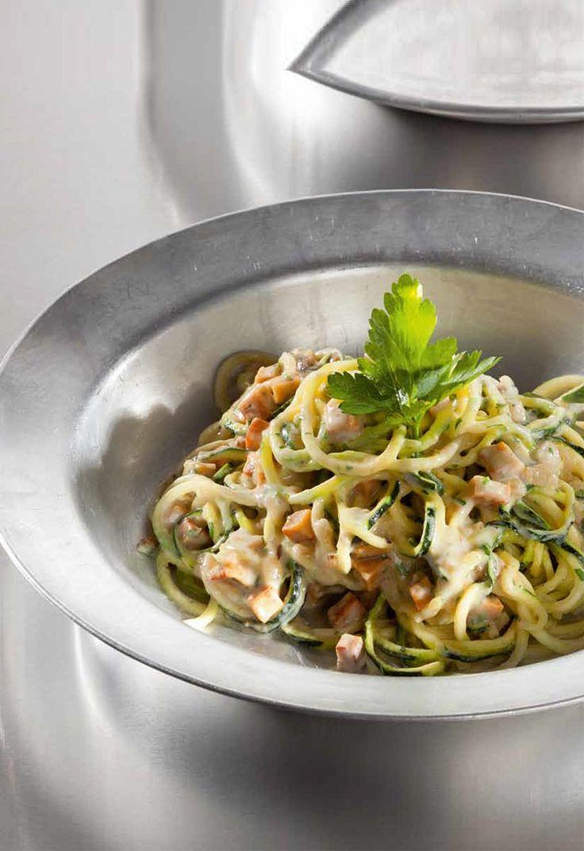 Zucchini-Spaghetti alla Carbonara - Entdeckt von Vegalife Rocks: www.vegaliferocks.de ✨ I Fleischlos glücklich, fit & Gesund✨ I Follow me for more vegan inspiration @vegaliferocks