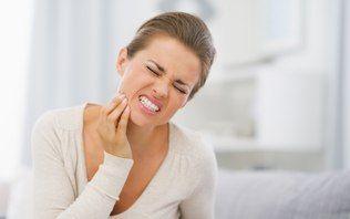 Tratamento de periodontite feito a laser tem eficácia confirmada por brasileiro