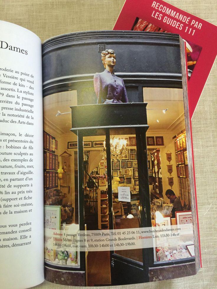 """Cette année Le Bonheur des Dames a été sélectionné pour faire partie du guide """"111 boutiques absolument irrésistibles à Paris"""", édité par Hachette Tourisme. Sur la photo - boutique au 8, Passage Verdeau 75009"""