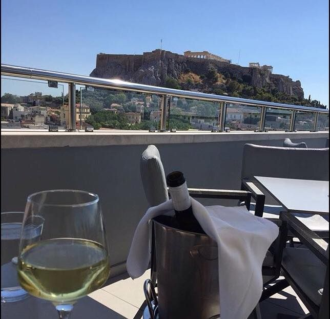 You can start your lunch with this view! #acropolis #travel #athens