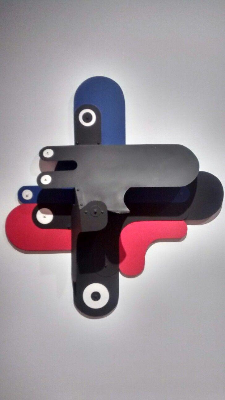 Ensamblaje (1957) artista Edgar Negret Dueñas. 11. Octubre.1 920 - 11.Octubre.2012.