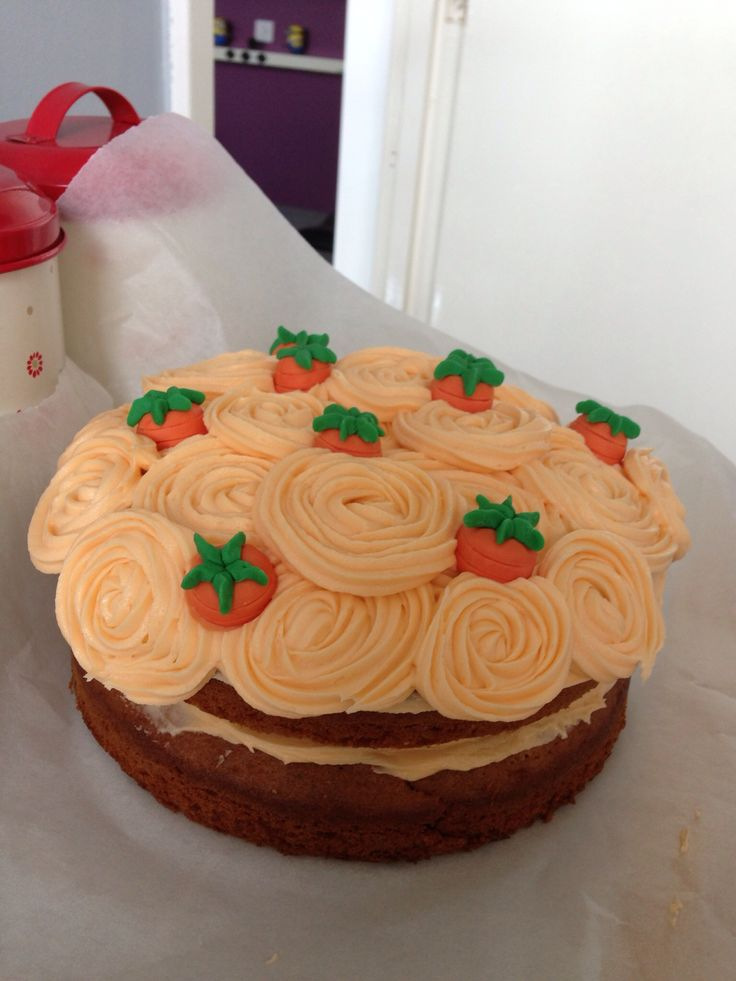 Carrot cake decoration idea cake decorating pinterest green on the side and the o 39 jays - Birthday cake decorations ideas ...